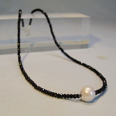 Facetted black spinel and genuine white South Sea cultured pearl necklace