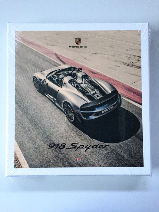 porsche 918 spyder box with three books catawiki. Black Bedroom Furniture Sets. Home Design Ideas