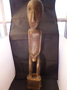 Big figurine - Sumba - Indonesia