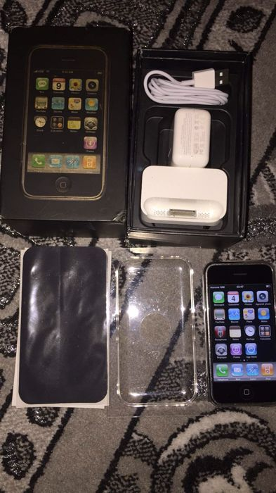 Apple iPhone 2G - 8GB model A1203 - first generation iPhone - complete in  its original box with charger, cable & dock - Catawiki