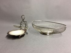 Breakfast duo of a silver plated bread basket and a toast rack, England, ca. 1960