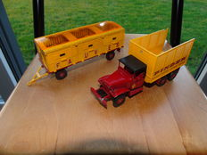 Dinky Supertoys - Scale 1/43 - Truck and Trailer GMC Circuit Pinder No.881
