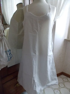 Antique and vintage linen lot - from the early 20th century to the 1960s