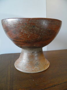 Pre-Colombian large bowl on large foot in terracotta - 14,5 cm high
