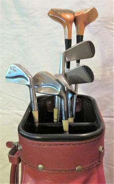 Golf - leather bag with 7 clubs - 20th century