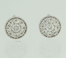 14 kt white gold ear studs, set with eighteen brilliant-cut diamonds, width: 7.5 mm