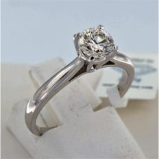 White gold solitaire ring with 1 brilliant cut diamond of 0.77 ct - I VVS2