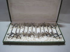 12 silver plated Art Deco knife benches - original packaging