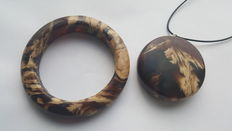 Amber bangle bracelet with pendant set