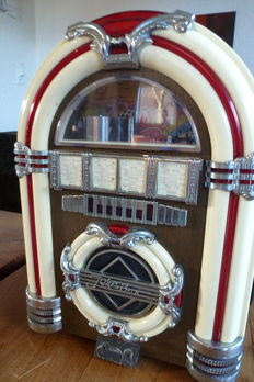 Spirit of St. Louis radio/cassette player - AM/FM - juke box style