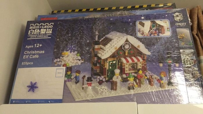 LEGO Certified Professional - Christmas Elf Café