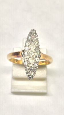 Gold and platinum marquise ring with diamonds – Without reserve price.