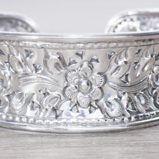 Oxidised sterling silver rigid bangle in Balinese design.