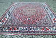 Beautiful Persian Isfahan rug hand knotted  300x350cm around 1970