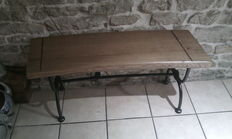Curved oak and wrought iron indoor bench, recent production