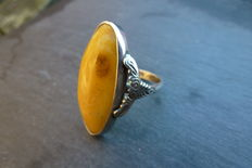 Silver vintage ring with amber