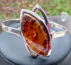Women's silver and amber bracelet