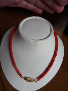 Red coral necklace, 1930s