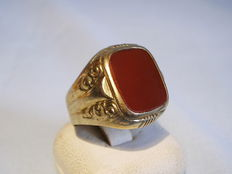 Large gold ring with carnelian