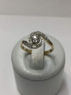 Old gold ring with diamonds