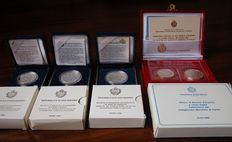 San Marino—Lire 10,000 (1996-1998)—Diptych Lire 500 and Lire 1,000 (Year 1990)—5 silver coins in their boxes