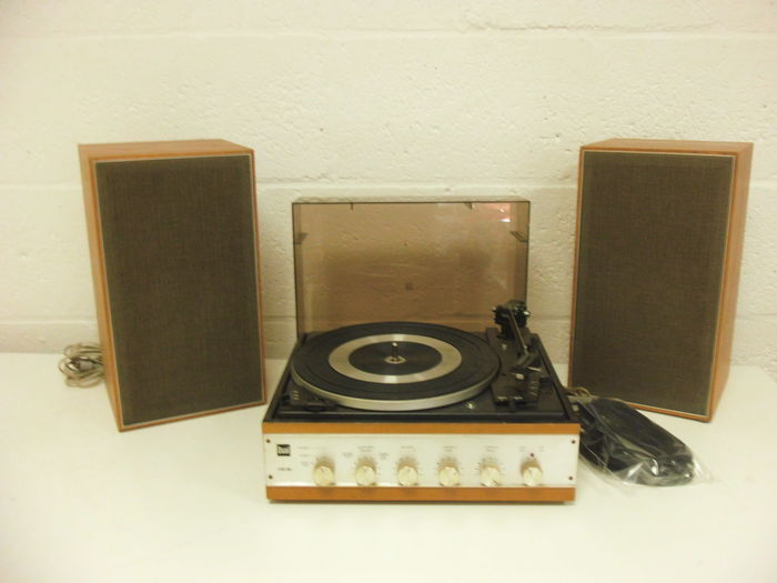 A nice vintage turntable combination by Dual HS 36 with speakers