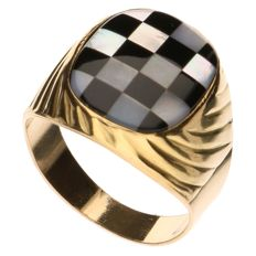 Yellow gold signet ring, Formula 1 set with mother of pearl and onyx
