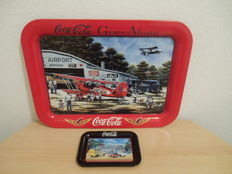 Lot of 2 Coca Cola trays from the US, 1990s