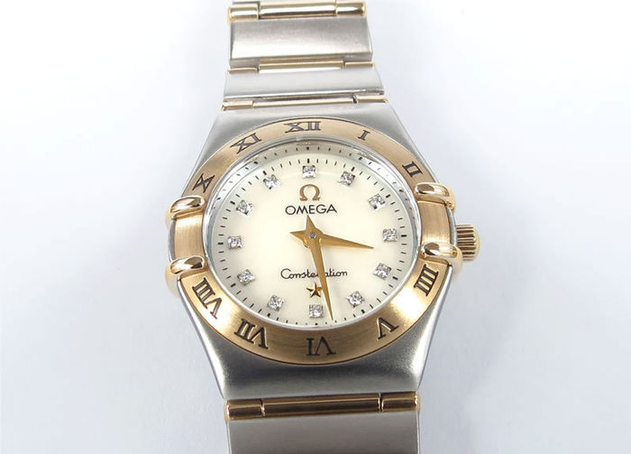 Omega Constellation – Mini Ladies' 1262.75.00 - Diamond Set Mother of Pearl – 2001