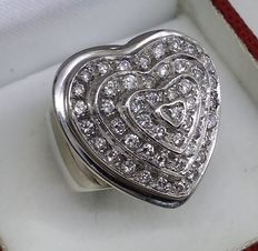 Heart-shaped gold ring with 48 diamonds totalling 1.45 ct.