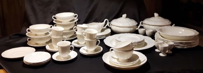 Wedgwood Service - Queensware-Catherine - style  tableware