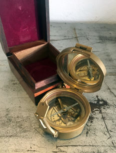Complicated brass Compass of Stanley London, with lots of extra options