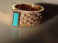 18 kt gold ring set with diamonds and turquoise