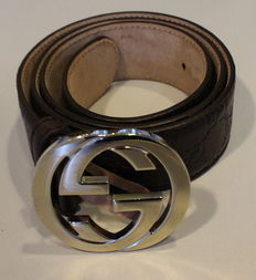 Gucci belt - in new condition!