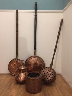 Three copper bedwarmers, a copper coffee pot and a copper pan, Europe approx. 1875