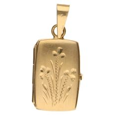 Yellow gold pendant with 2 photo frames inside