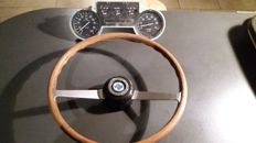 Lancia Fulvia - Jaeger steering wheel and meters  - Lancia Fulvia 1.3 S rally