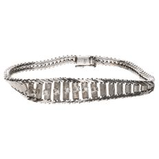 White gold link bracelet set with 8 brilliant cut diamonds with a total of approx. 0.16 ct.