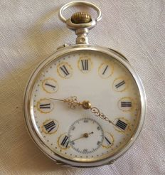 Men's pocket watch from 1910.