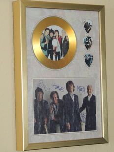 Gold Plated Disc The Rolling Stones With Printed Signed Picture And 3 Special Guitar Pics