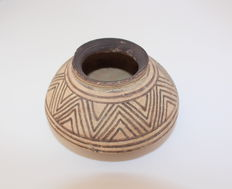 Indus Valley pottery pot with geometric decoration in black pigments - 10,5 x 6,5 cm