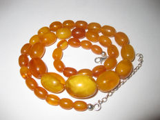 Antique Butterscotch 100% Natural Baltic Amber necklace, ca. 21g