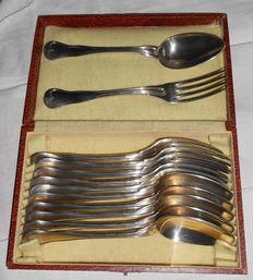 Box of 6 soup spoons + 6 forks, monogrammed E V, Alfenide 72, Christofle, Paris, 20th century