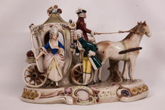 Gräfenthal - carriage & 2 horses figurine.