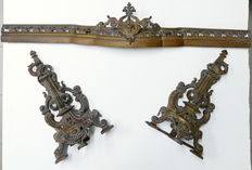Fireplace set including a pair of andirons and a fender in bronze - France - mid 19th century