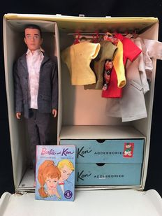 Ken / Mattel / clothing suitcase / doll / clothing / booklet