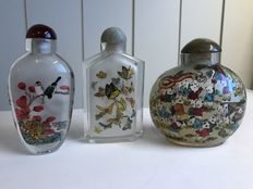 3 Snuff bottles painted on the inside – China – second half of the 20th century