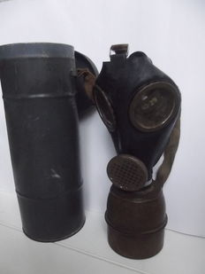 French gas mask 1939/1945