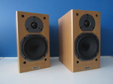 Twee Tannoy Mercury MX1  M Cherry speakers.