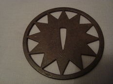 Large tsuba tetsu .Meiji, nagako-ana star 12 points – Japan – 19th century.